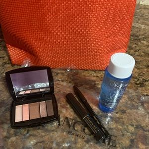 Lancôme makeup sample with red cosmetic bag. NWT